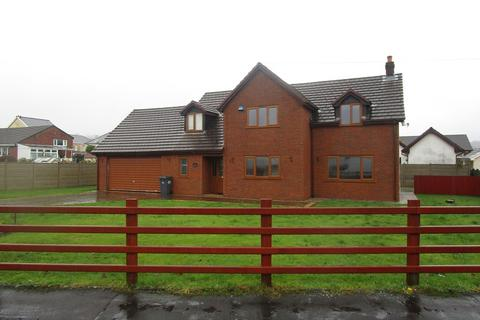 5 bedroom detached house for sale - Tawe Park, Ystradgynlais, Swansea, City And County of Swansea.