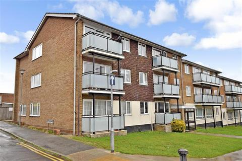 2 bedroom flat for sale - Lustrells Vale, Saltdean, Brighton, East Sussex