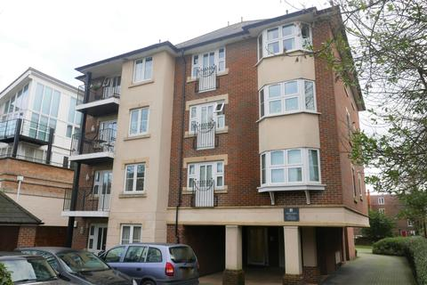 2 bedroom flat to rent - Highfield  Winn Road   PART FURNISHED
