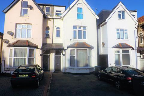 2 bedroom flat to rent - Queens Road, Wimbledon