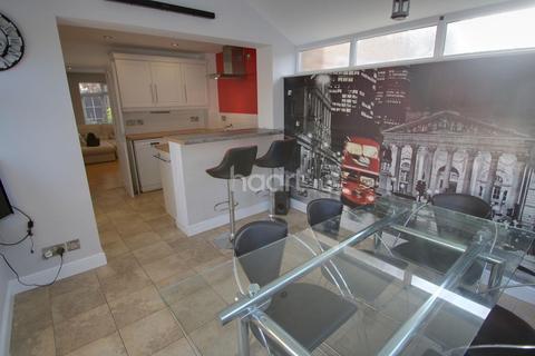 2 bedroom semi-detached house for sale - Spinney Halt, Whetstone, Leicester