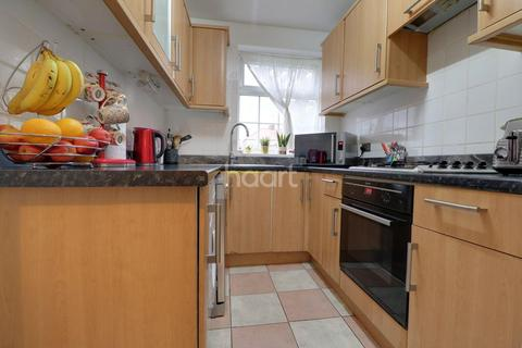3 bedroom semi-detached house for sale - Perivale