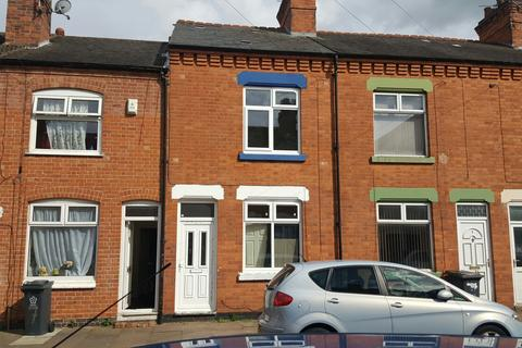 3 bedroom terraced house to rent -  Southdown Road, North Evington, Leicester, LE5
