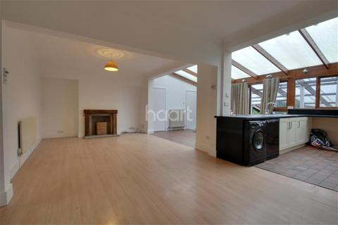 5 bedroom semi-detached house to rent - Eastwood Drive