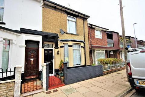 2 bedroom house for sale - Newcomen Road, Portsmouth, PO2 8LB