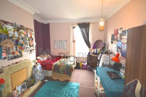 9 bedroom terraced house to rent - Belle Vue Road, Hyde Park, Leeds
