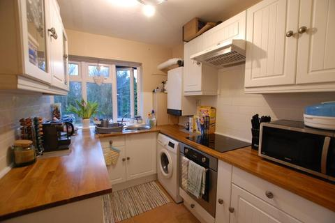 2 bedroom flat to rent - The Avenue, Worcester Park, KT4 7EP
