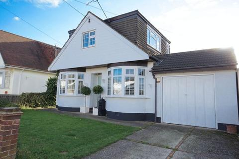 4 bedroom detached house for sale - Thundersley Church Road, Benfleet