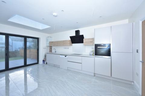 3 bedroom end of terrace house to rent - Albany Road, Ealing, W13