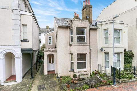 2 bedroom semi-detached house for sale - York Road, Tunbridge Wells