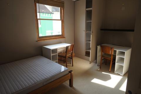 4 bedroom terraced house to rent - Coleman Street, Brighton