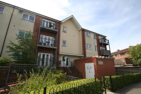 1 bedroom ground floor flat to rent - Maureen Christian House, Desborough Crescent