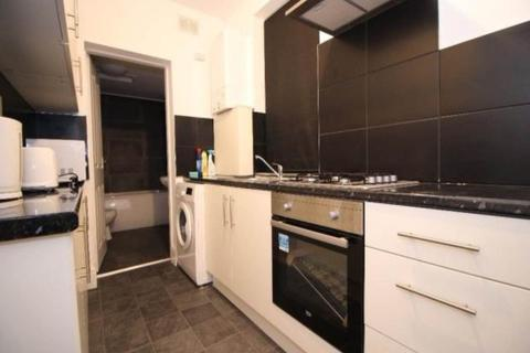 4 bedroom semi-detached house to rent - Bruce Street, Leicester,