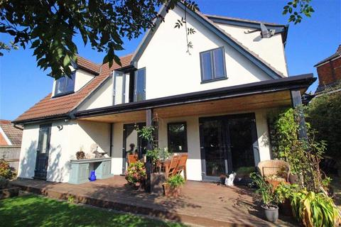 4 bedroom detached house for sale - Duchess Close, Monmouth