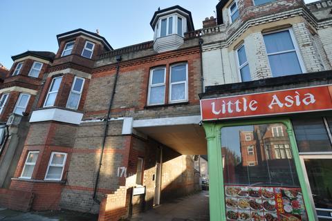 3 bedroom flat to rent - 174 Holdenhurst Road, Bournemouth, Dorset