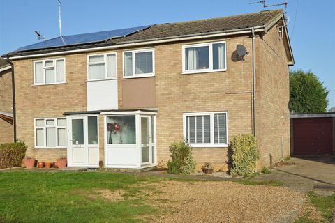 3 bedroom semi-detached house for sale - Mountbatten Way, Peterborough