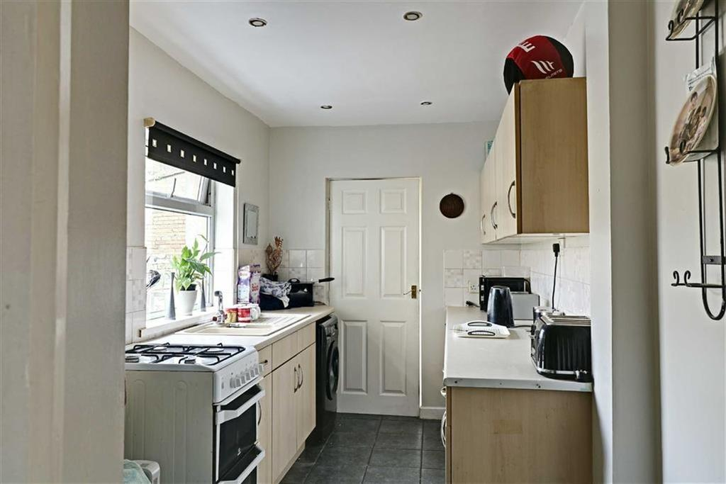 FITTED KITCHEN measuring