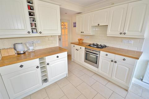 2 bedroom terraced house for sale - Fencepiece Road, Hainault