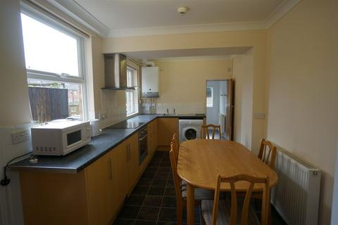 1 bedroom house share to rent - Grove Lane- FOUR BEDROOMS & OFF RD PKG