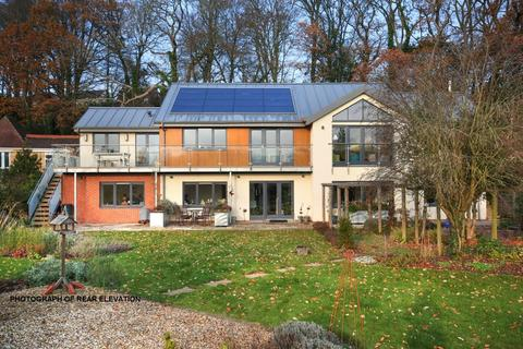 4 bedroom detached house for sale - Upper Marsh Road, Warminster