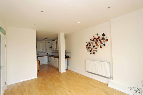 2 bedroom flat to rent - Malden Road, New Malden
