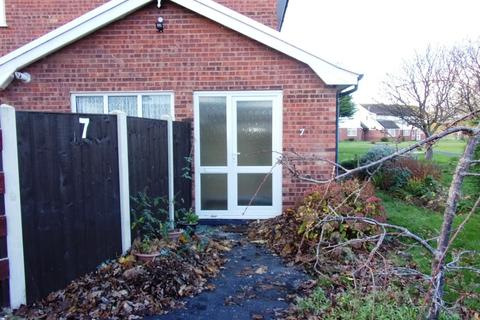 2 bedroom flat to rent - Aled Court, Abergele, LL22