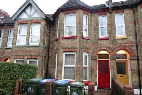 7 bedroom terraced house to rent - Shakespeare Avenue, Southampton