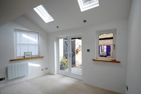 2 bedroom end of terrace house to rent - High Street, Chalfont St Giles, HP8