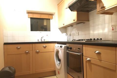 2 bedroom apartment to rent - Sark Road, Chorlton
