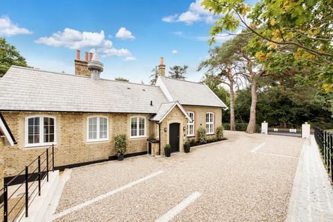 2 bedroom flat for sale - Heathfield Road Keston BR2