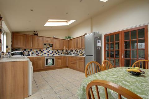 3 bedroom semi-detached house for sale - Cambridge Road, Barton