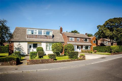 4 bedroom detached house to rent - Springwood Hall Gardens, Huddersfield, West Yorkshire, HD1