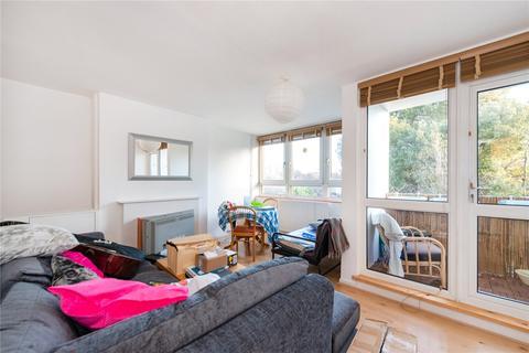 3 bedroom maisonette for sale - Treherne Court, Tooting Bec Road, London, SW17