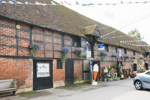 Shop to rent - Monks Granary, Standard Quay, ME13