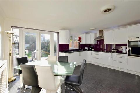 4 bedroom semi-detached house for sale - Fishers Road, Tonbridge, Kent