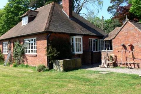2 bedroom detached bungalow to rent - Acton Reynald, Shrewsbury, Shropshire, SY4