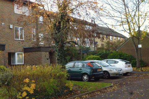 1 bedroom apartment to rent - Beagle Close, Feltham