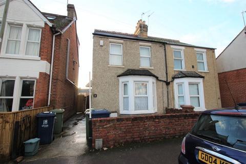 6 bedroom semi-detached house to rent - Cricket Road, Cowley