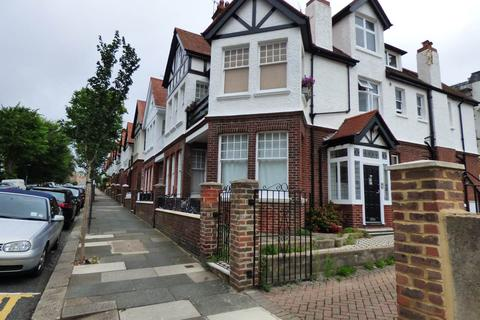 Studio to rent - York Avenue, Hove, East Sussex