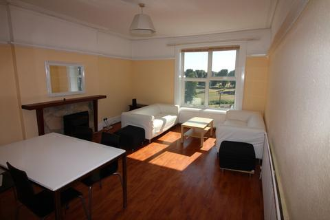 4 bedroom apartment to rent - Lennox Road South, Southsea