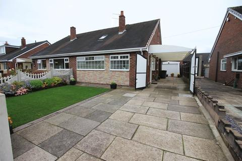 3 bedroom semi-detached house for sale - Astro Grove, Longton, Stoke-on-Trent, ST13