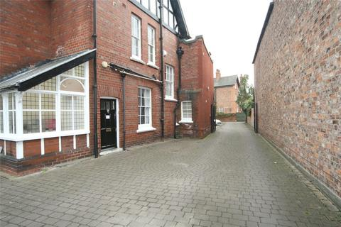 Studio to rent - Burton Stone Lane, York