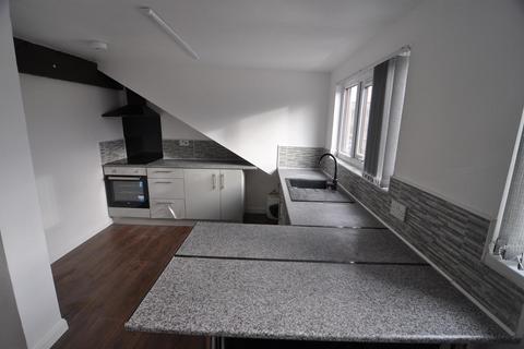 2 bedroom flat to rent - Nesfield Street, Bradford