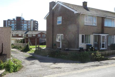 3 bedroom end of terrace house for sale - West Street, Seaford