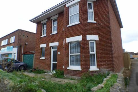 4 Bedroom Detached House To Rent   Kinson Road, Kinson, Bournemouth, Dorset