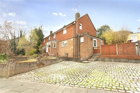 3 bedroom semi-detached house for sale - Hornby Road, Brighton