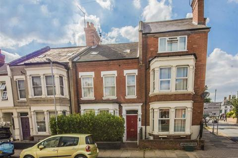 5 bedroom terraced house for sale - Holly Road, Northampton