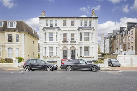 2 bedroom apartment for sale - Sackville Gardens, Hove