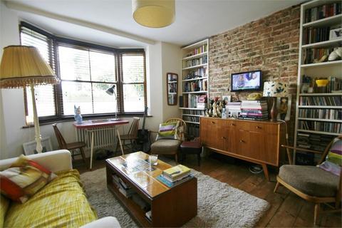 2 bedroom flat to rent - Osborne Villas, Hove, BN3