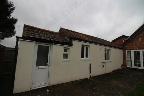 1 bedroom semi-detached bungalow to rent - Norwich Road, Costessey